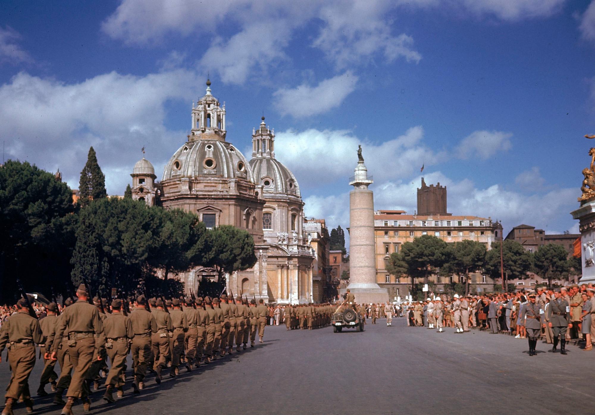 1944 July 04 Rome by Carl Mydans2