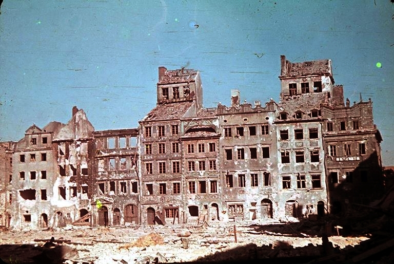 1944 Warsaw by Ewa Faryaszewska (1920-1944)