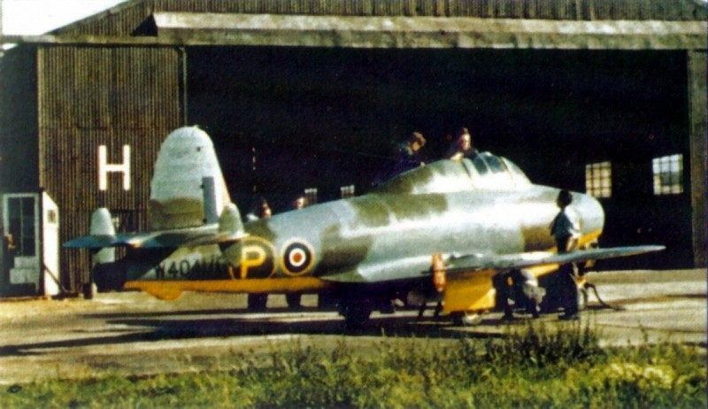 Gloster E28-39 Britain first jet 1944