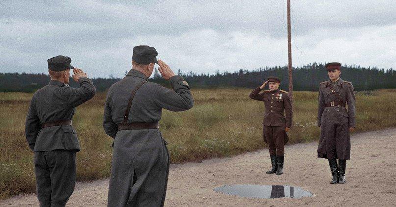 Встреча советских и финских офицеров в связи с прекращением боевых действий между СССР и Финляндией, Выборг, 1944 года