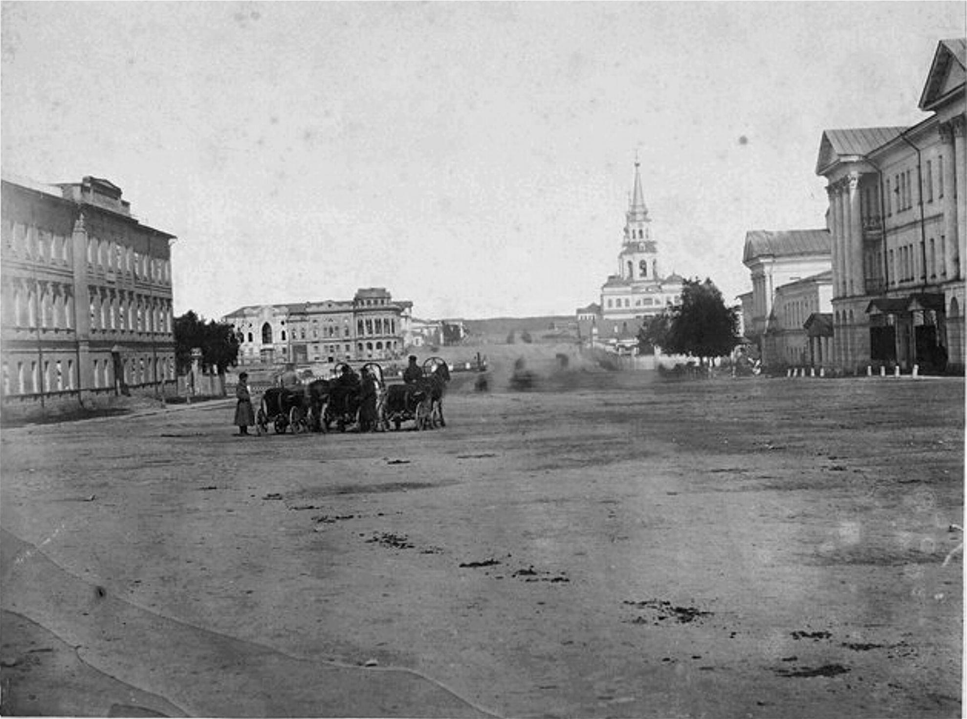 1870-72 Главный проспект. Кирха ещё строится
