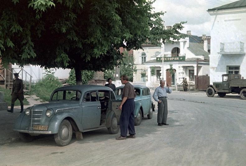 1956 Участники автопробега Киев-Львов. Pilvre Uno