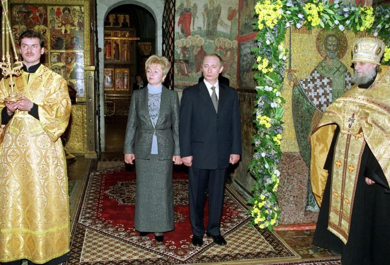 Торжественный молебен в честь вступления нового президента РФ в должность. Москва. РФ. 7 мая 2000 года