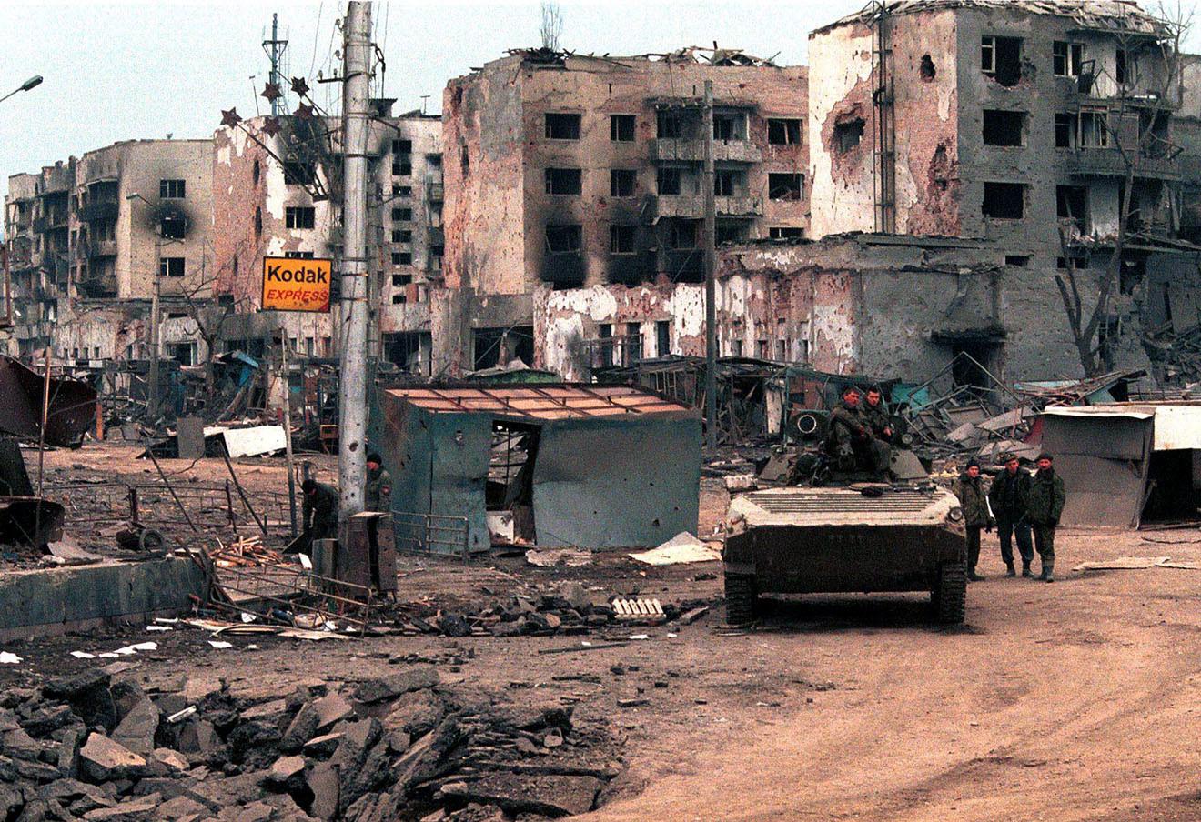 Грозный после боевых действий, 2000 год. Фото Валерий Матыцин ТАСС