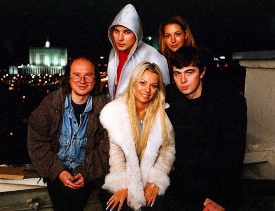 Алексей Балабанов, Ирина Салтыкова и Сергей Бодров на съёмках фильма Брат-2, 2000 год