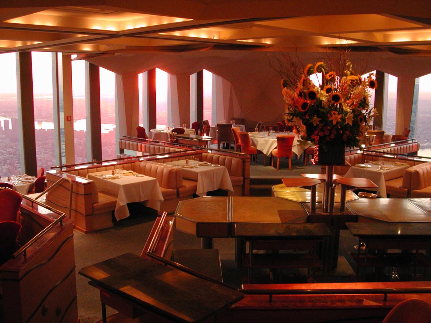 Ресторан Windows on the World, на 106-м и 107-м этажах Северной башни WTC, 2000