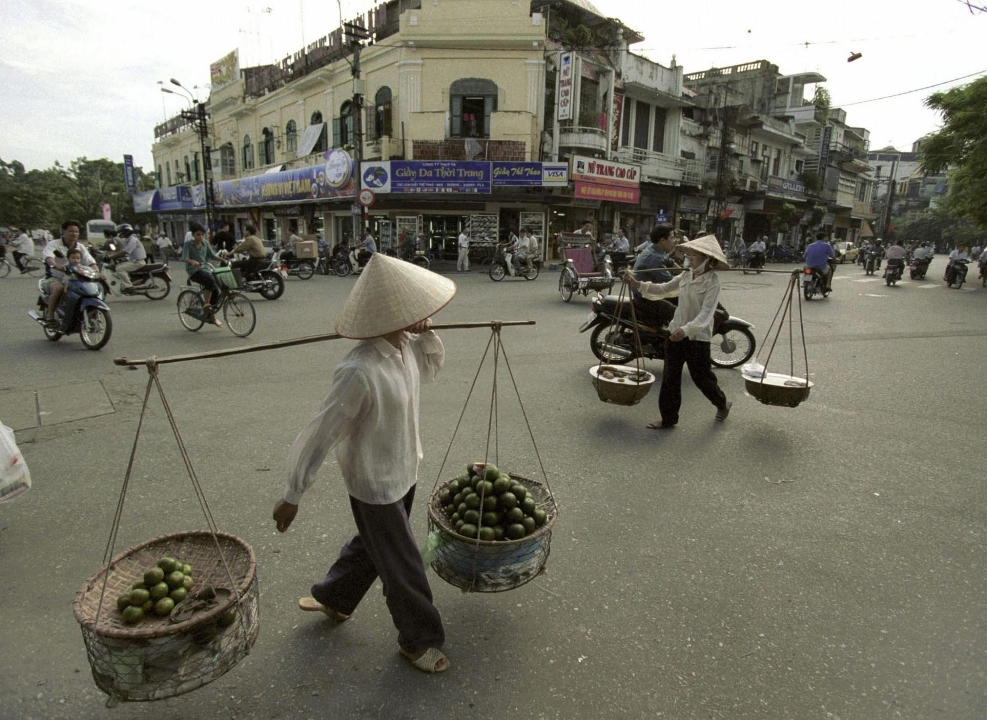 2000 Hanoi by Ulrich Baumgarten