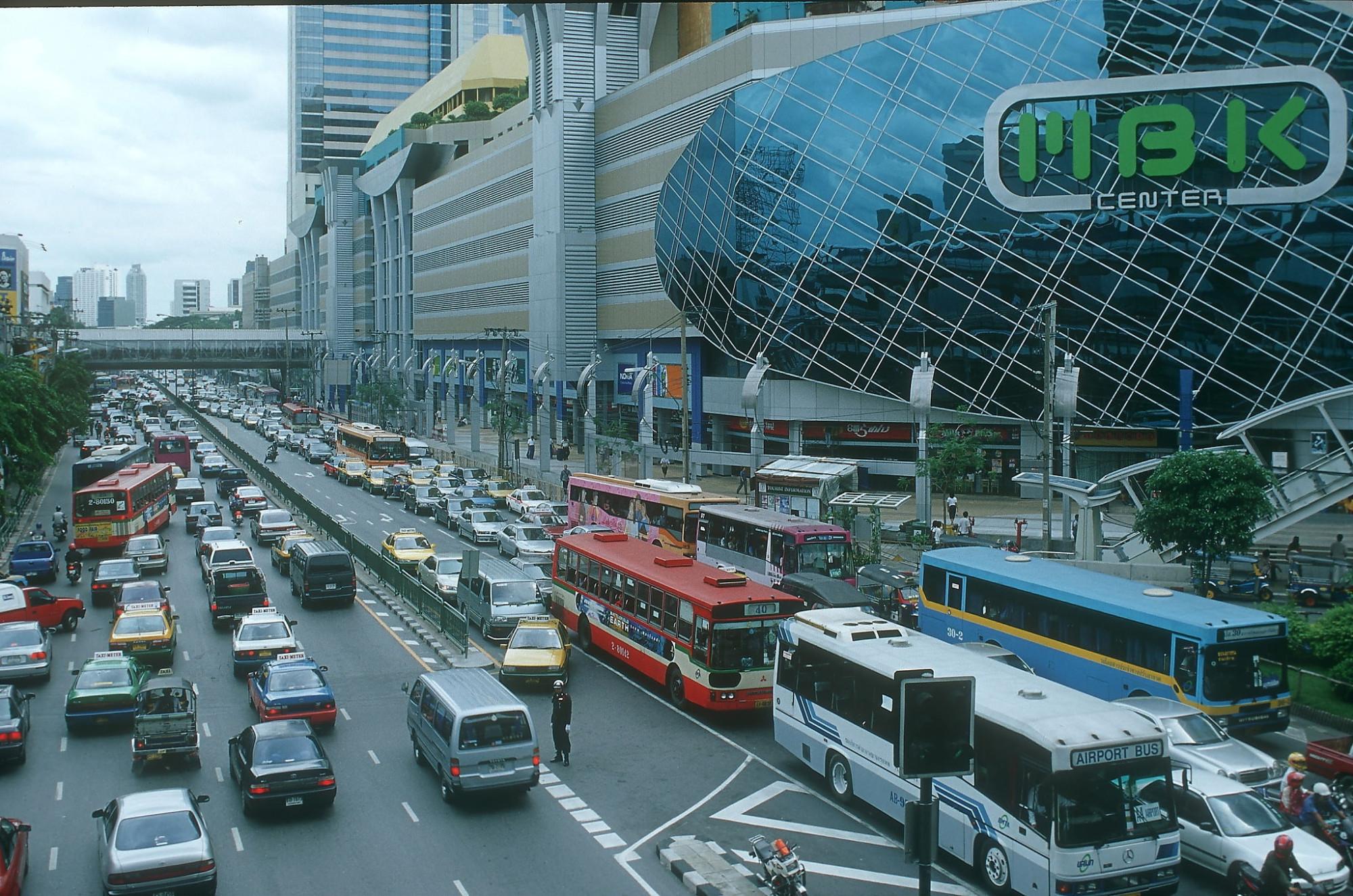 2000 Bangkok ratchadamri-road