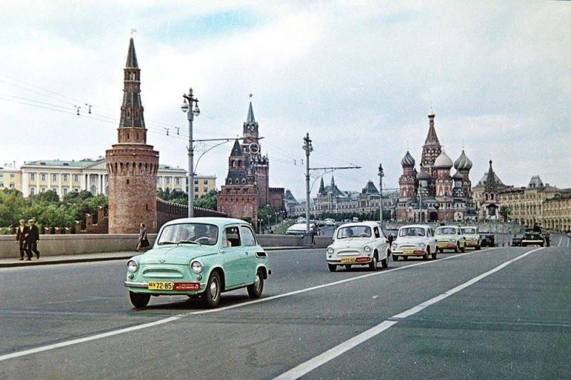 1960 Колонна Запорожцев (ЗАЗ-965) в Москве