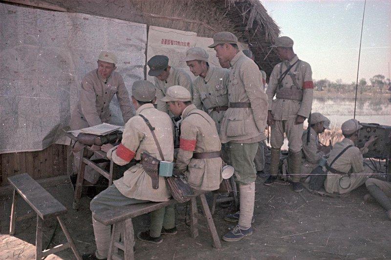 1949 Поход Народно-освободительной армии (НОА) Китая. Полевой штаб армии за работой