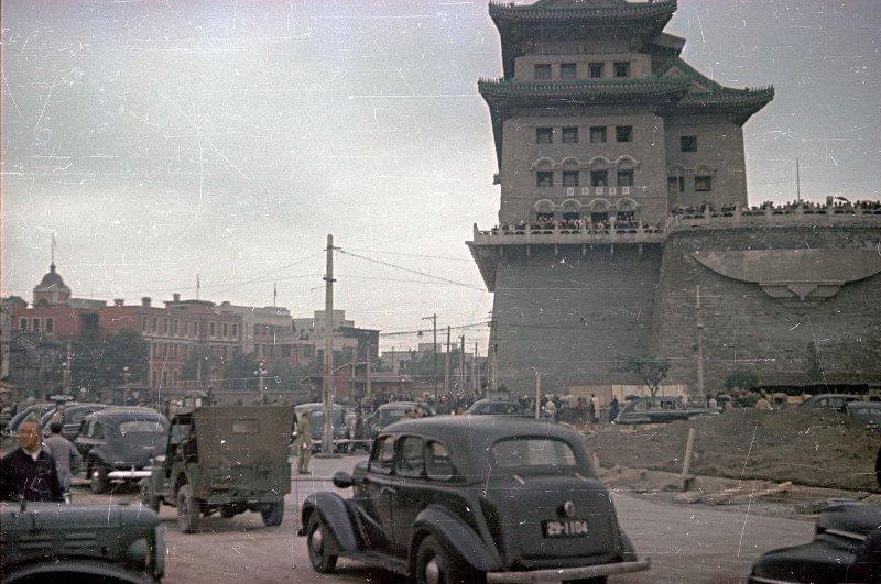1949 Beijing. Микоша. Привокзальная площадь