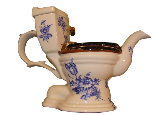 toilet teapot_from_yamauba_LJ_560637