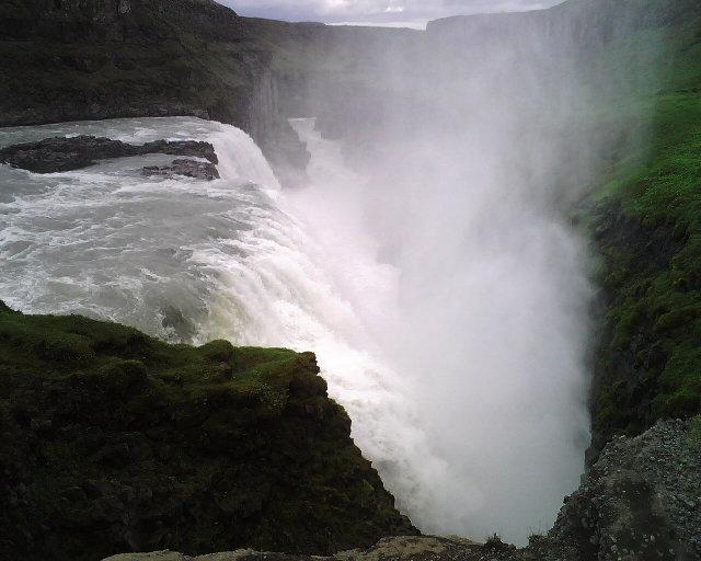 IMG00779_Iceland_2_Gullfoss_small