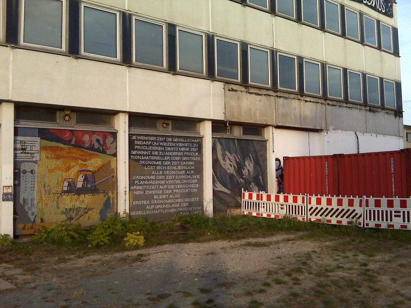 IMG00647_Potsdam_Kosmosaik_small