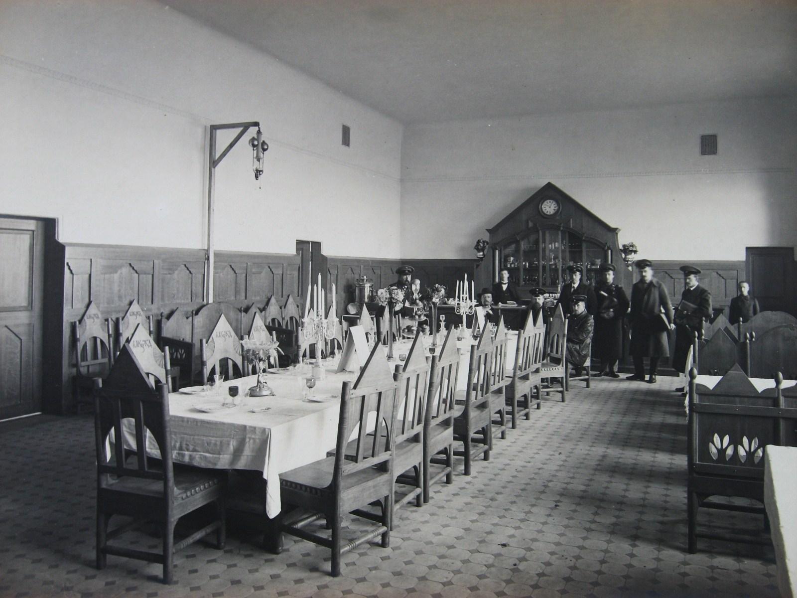 МКЖД Муром.  Зал для пассажиров I и II класса. Фото 1912 года.