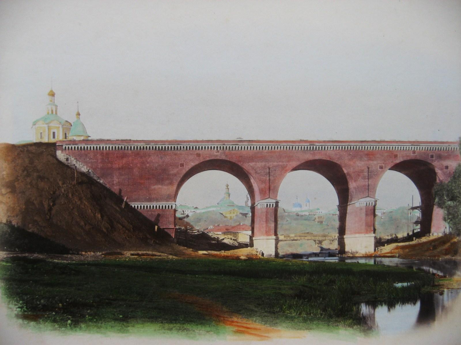 2. Мост через Яузу.
