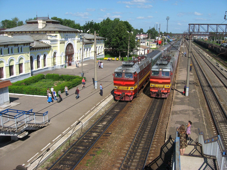72. Пасс.поезда Шарья-Спб, Иркутск-Спб.