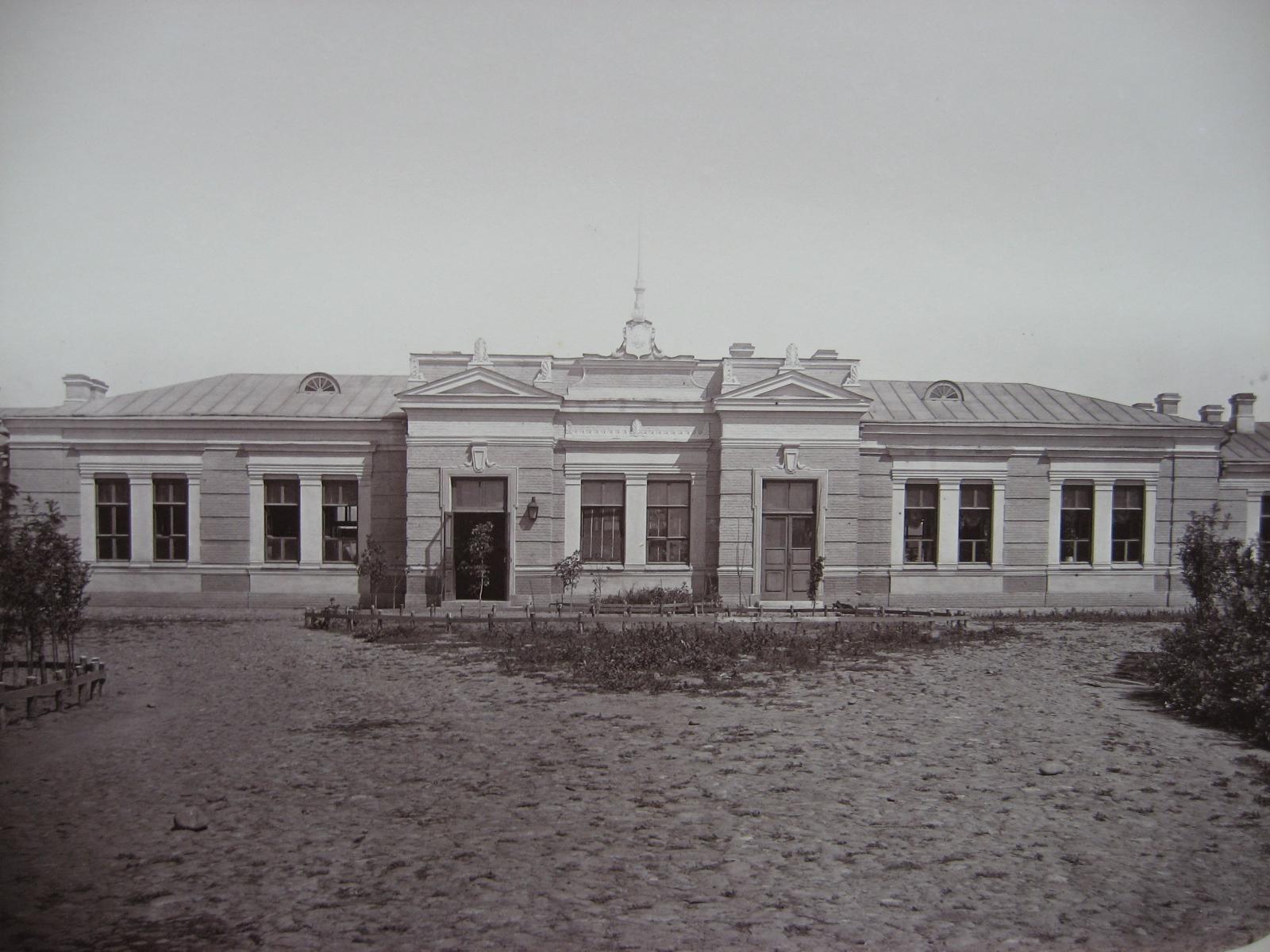 6. Пассажирское здание на станции Кавказская
