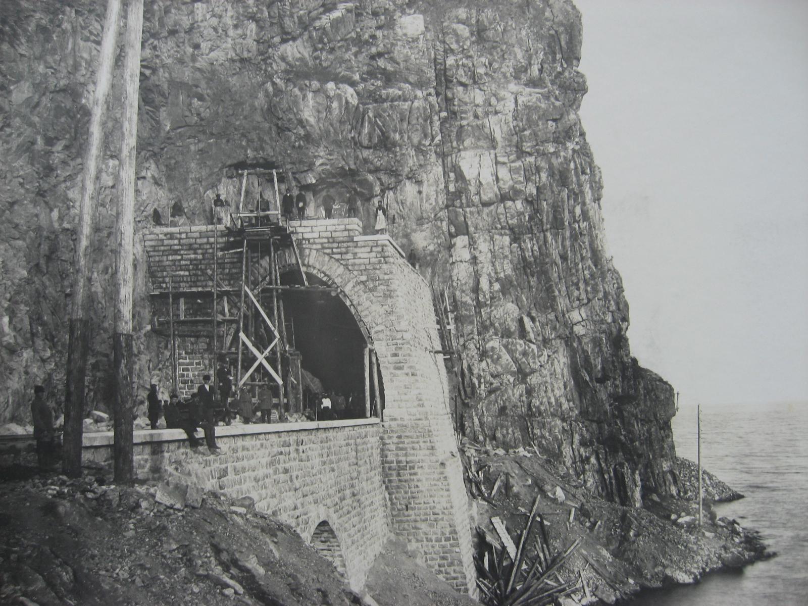 65. Сооружение тоннеля на западном участке Байкал-Слюдянка. Фото 1903 года.