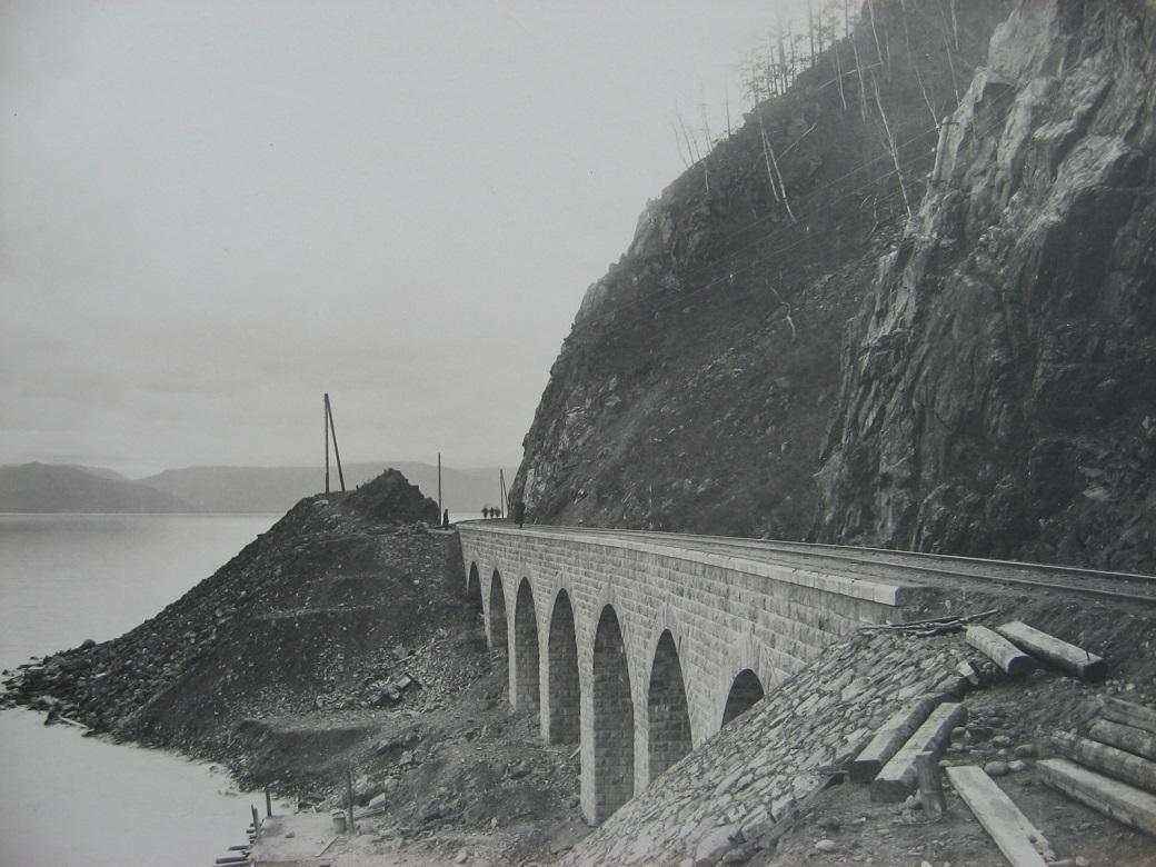 68. Виадук на реке Упорная Губа, 72 верста. Фото 1904 года.