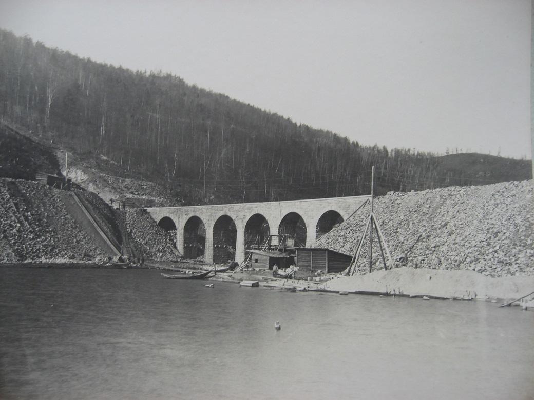 66. Виадук на реке Ангасолк, 73 верста. Фото 1903 года.