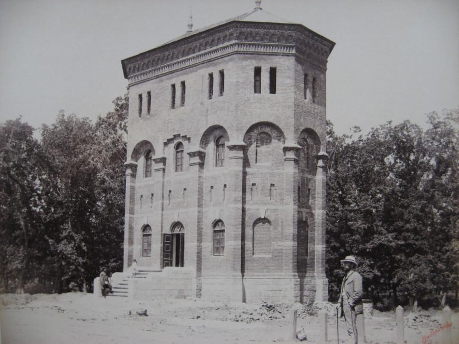 6. Водоёмное здание с двумя башнями на станции Екатеринодар.