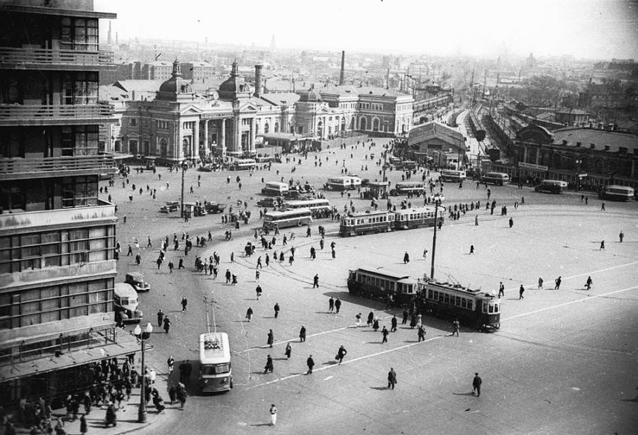 3. Площадь Курского вокзала. Конец 30-х годов.