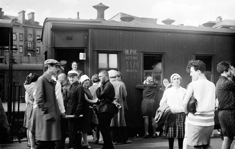 100. Казанский вокзал, конец 20-х годов.