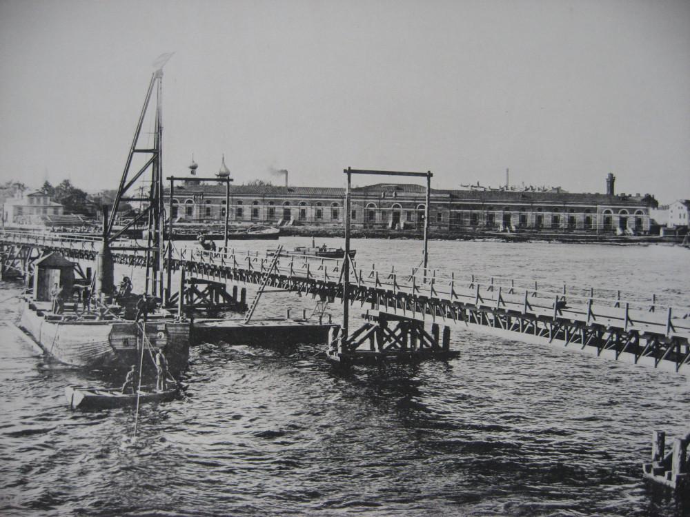4. Временный мост для подачи материалов.