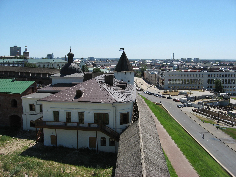 21. Кремль. Смотровая вышка. Вид в сторону улицы Баумана.