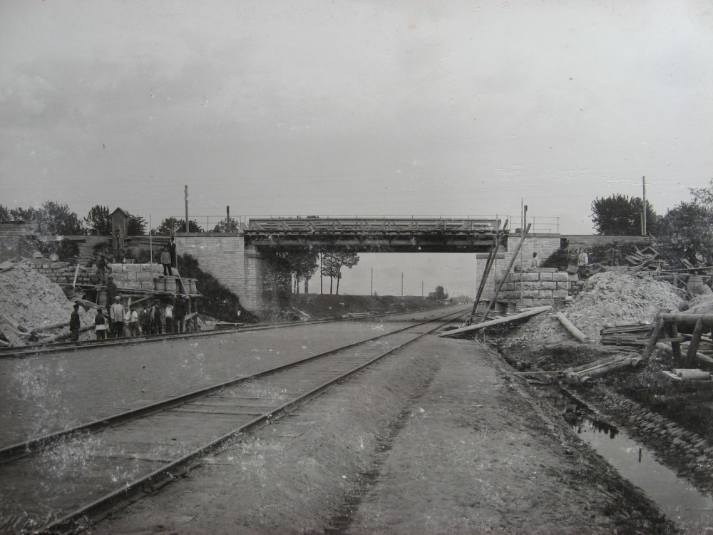 1. Путепровод под третий путь над Путиловской ветвью. 1900 год.
