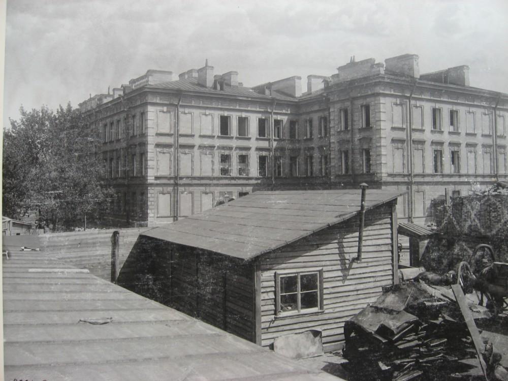 7. Разборка офицерского флигеля Лейб-Гвардии Семеновского полка. 1901 год.