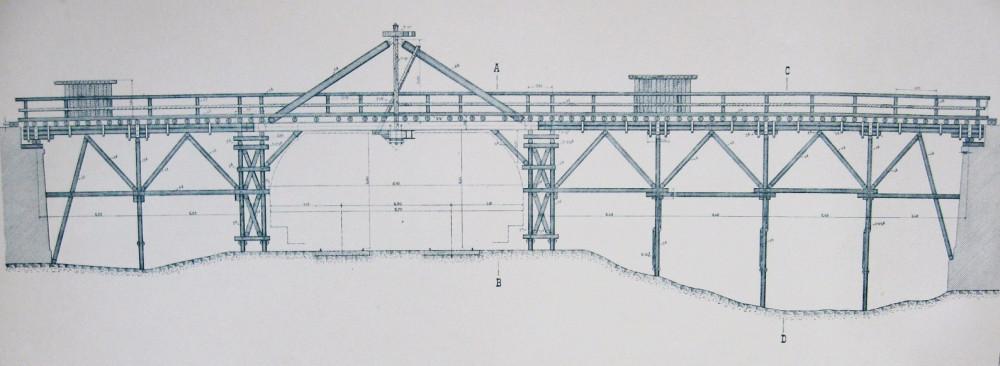 34. Временный деревянный мост для вагонеток через Брестскую ж.д.  на период строительства.