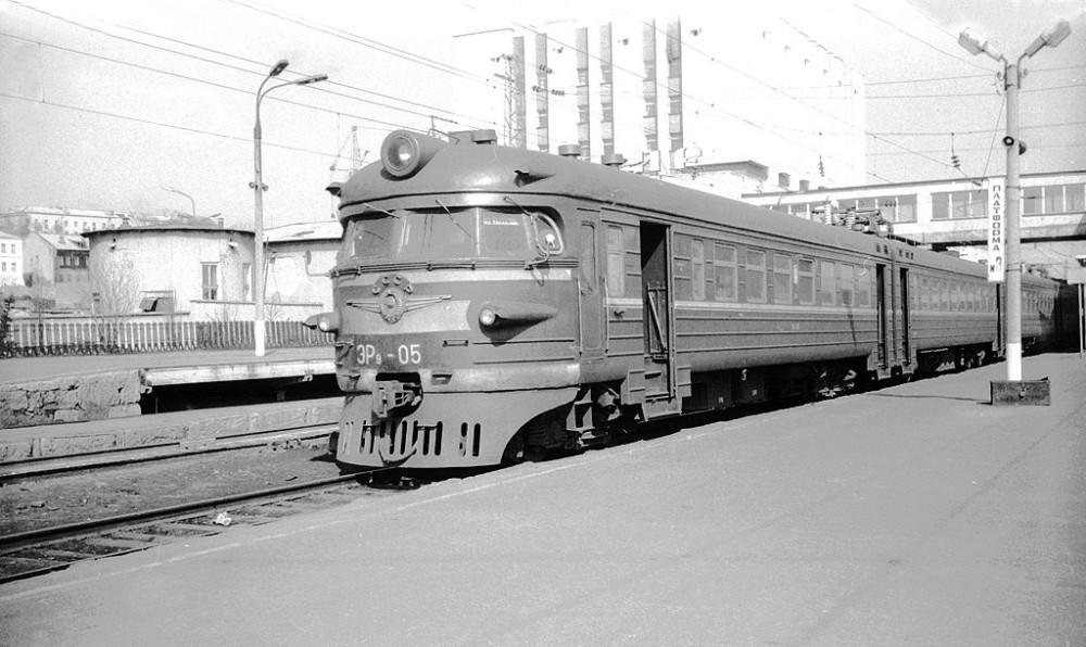 ЭР9-05, ст.Владимир, апрель 1988 год.