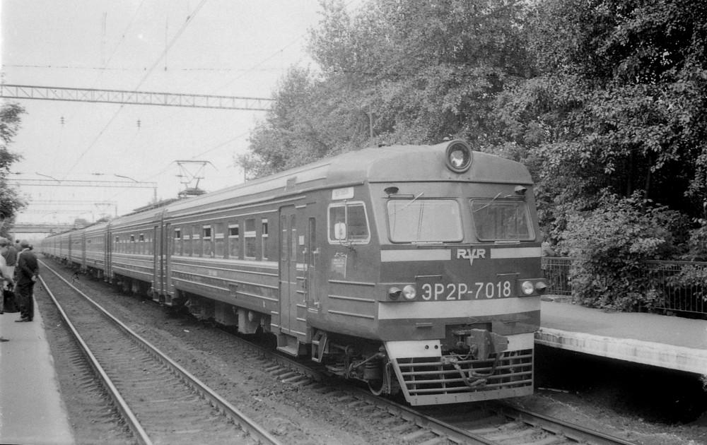 13. ЭР2Р-7018, платф.Новогиреево, 1985 год.