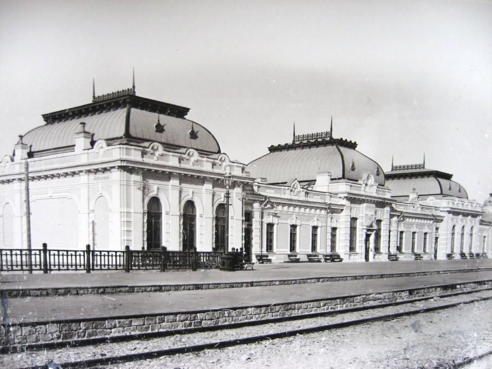 4. Пассажирское здание на станции Казалинск.