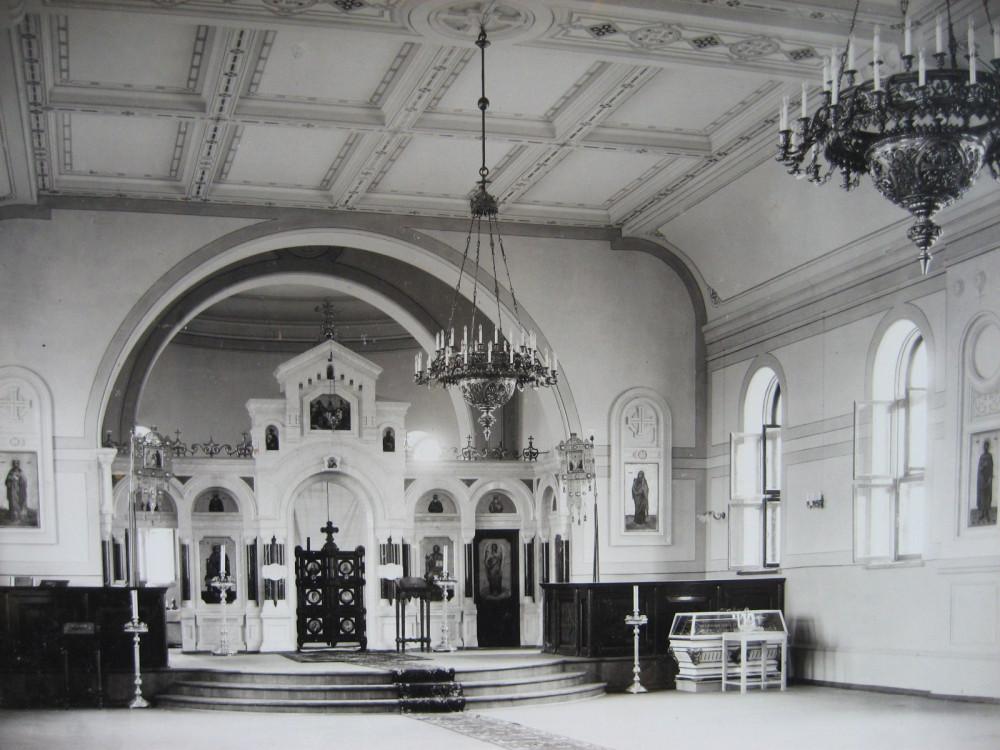 7. Внутренний вид церкви на станции Казалинск.