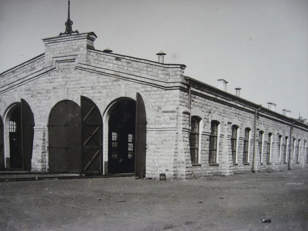 8. Паровозное депо на станции Челкар.