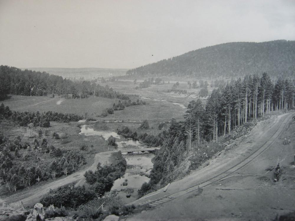 11. Железная дорога вблизи села Уфалей.