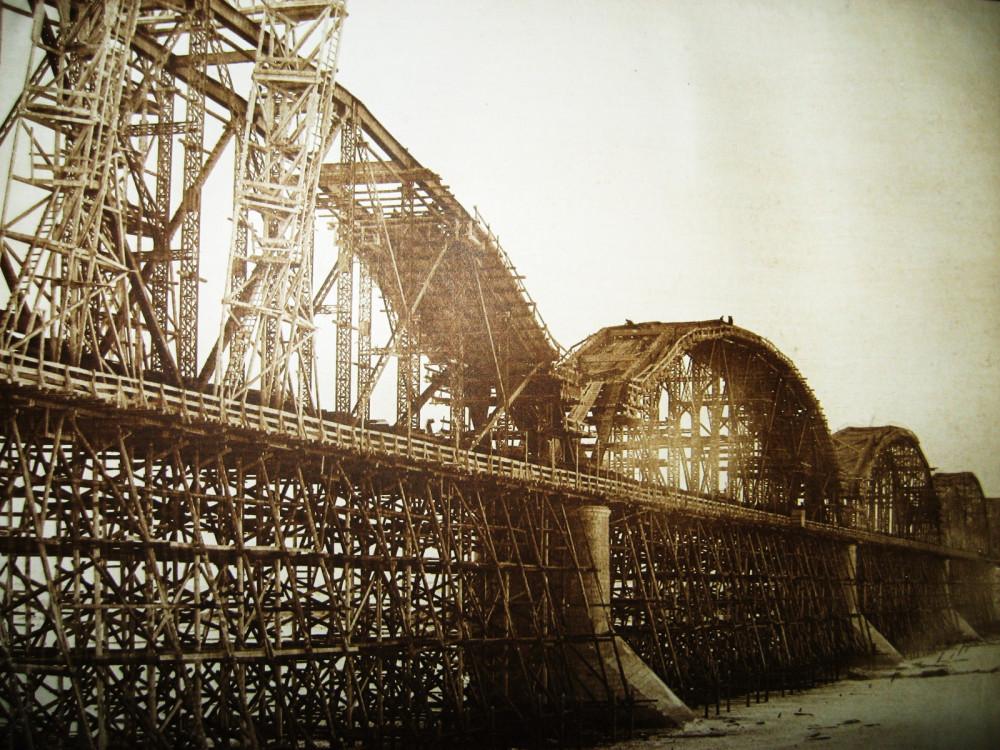 47. Строительство моста через Зею у города Алексеевск.