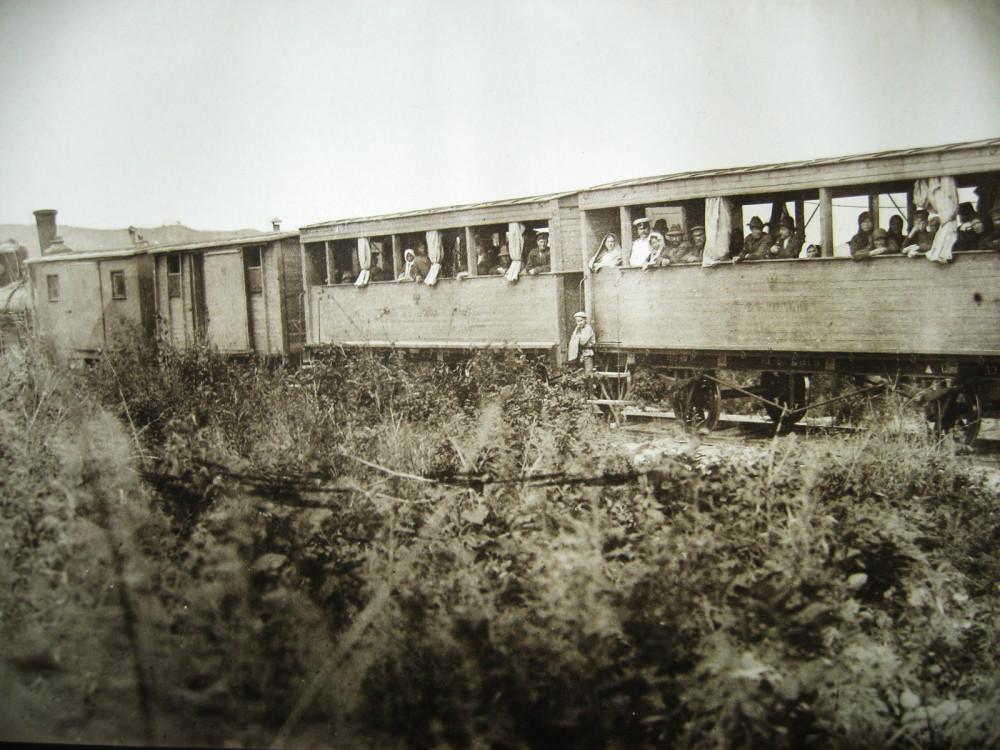 85. Летняя переправа через Зею. Тип временных вагонов-веранд для 4 класса.