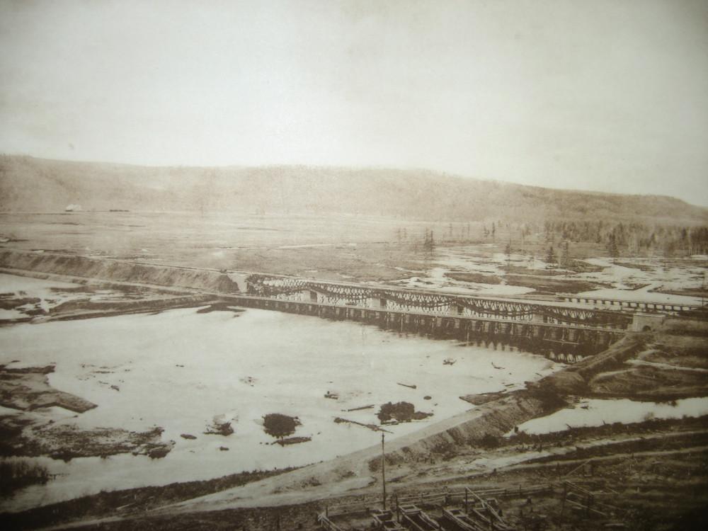 163. Ж.д. мост через реку Б.  Неверь