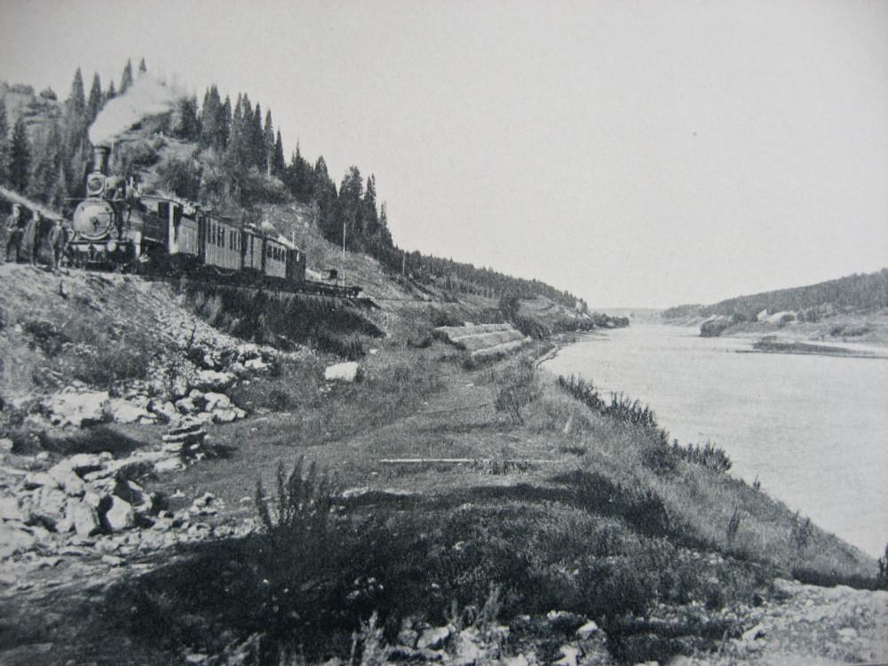 В каком году было строительство транссибирской магистрали
