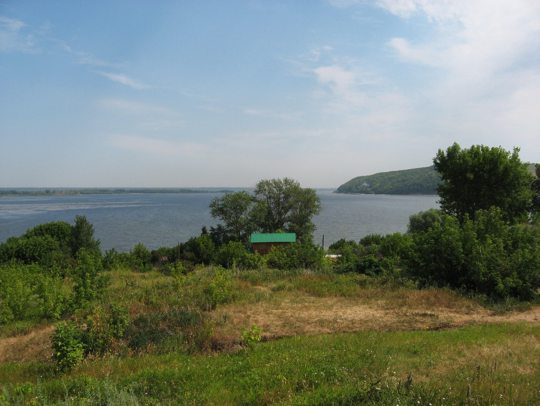 60. Вид с острова на Волгу и Макарьевский монастырь.