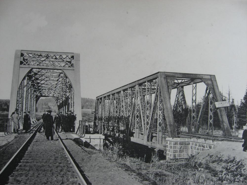 15. 2528 верста. Вид на мост через р. Замзор. 1910 год.