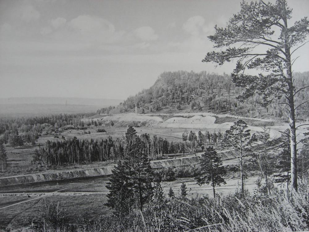 31. 2580 верста. Вид на косогор со стороны моста через р. Мару. 1909 год.