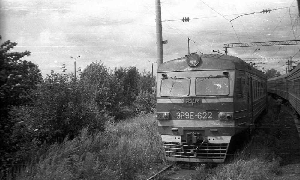17. ЭР9Е-622, станция  Казань-Пасс, тупики, 1988 год.