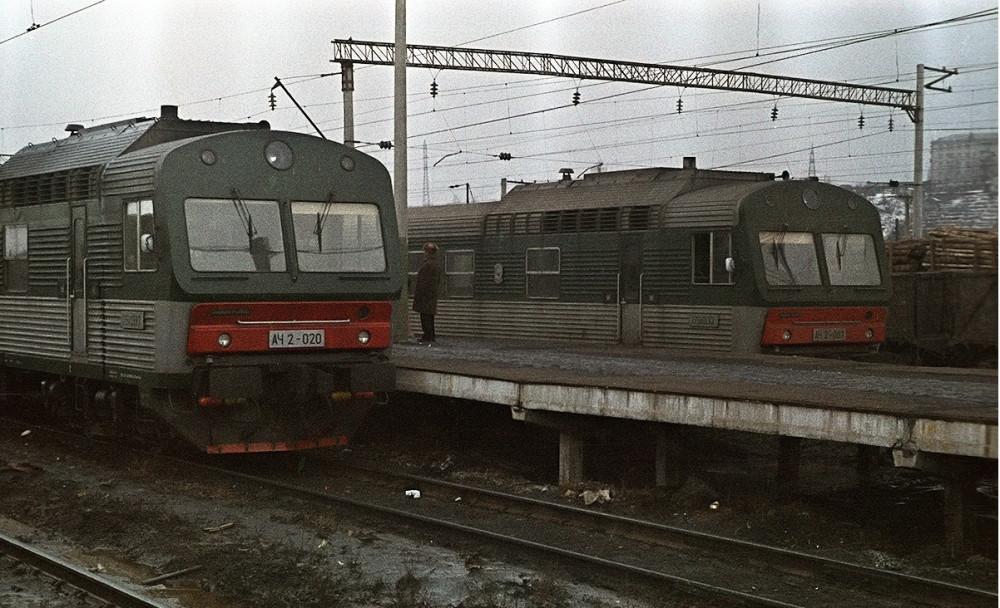 5. АЧ2-020, АЧ2-007, ст.Зеленый Дол, март 1989 год.