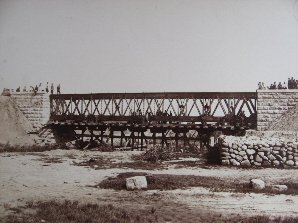 10. Сборка моста через реку Прудок на 496 версте.