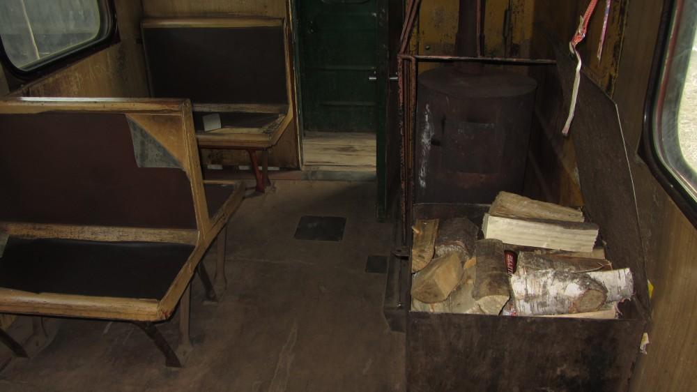118. Печь отопления и запас дров